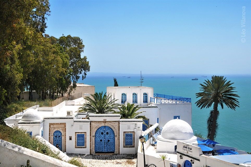 Femeia tunisiana care cauta intalnirea)